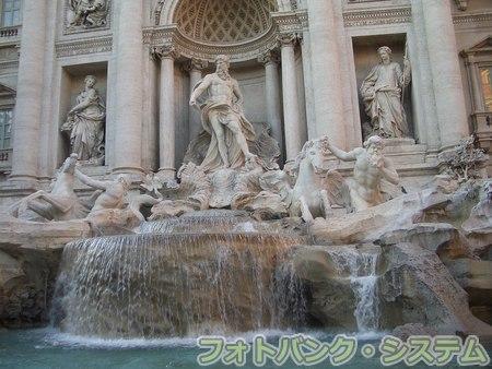 ローマ:トレヴィの泉