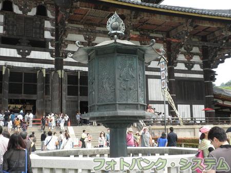 東大寺:大仏殿前燈籠