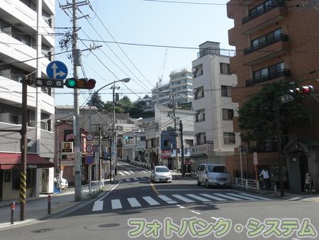 石川町-亀の橋交差点