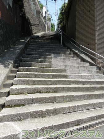 石川町-地蔵坂脇道の石段