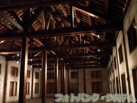 富岡製糸場-繭倉庫内